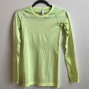 Lululemon swiftly tech long sleeve tee size 4